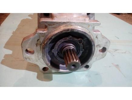 Насос гидравлический Komatsu HD785 Вспомогательный